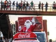 Caravana da Coca Cola alegra noite de sábado em Araraquara