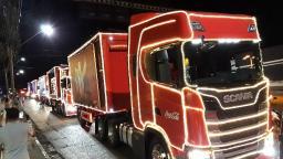 Caravana iluminada da Coca-Cola chega a Americana e Sumaré