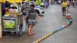 Calçadão de Ribeirão tem congestionamento diferente