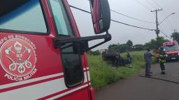Carro capota e deixa duas mulheres feridas em Araraquara