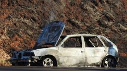 Carro pega fogo em rodovia de Araraquara