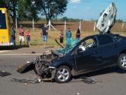 Acidente entre carro e caminhão deixa uma pessoa morta