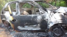 Taxista é encontrado morto ao lado de carro queimado na região