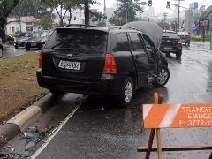 Carro usado por um dos bandidos que foi morto pela polícia. Foto: Código 19 - Foto: Código 19