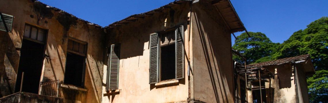 Casarão abandonado no assentamento Bela Vista (Foto: Amanda Rocha) - Foto: Da reportagem