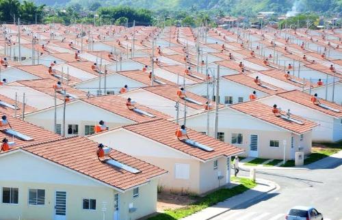 Casas populares - Foto: Da reportagem