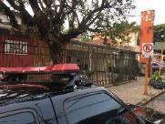 Criminosos rendem comerciante e clientes durante assalto no Jardim Ieda