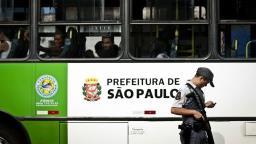 Governo de São Paulo afasta 14 PMs por agressão a rendidos