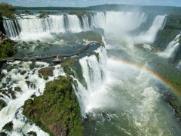 Cataratas deslumbram pela força das águas