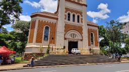 Catedral de Ribeirão inicia campanha de arrecadação de alimentos