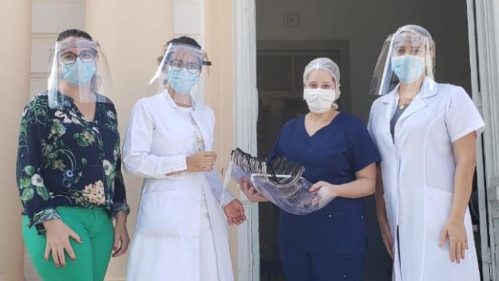 Já foram entregues 60 unidades dos protetores faciais microbicidas a instituições de saúde. Foto: Divulgação/Agência Fapesp/CDMF - Foto: ACidade ON - São Carlos