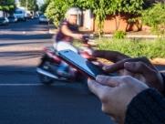 Carla (nome fictício) foi assaltada por volta das 7h15 enquanto esperava um colega de trabalho - Foto: Milena Aurea / A Cidade