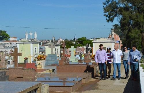ACidade ON - São Carlos - Parceria entre a Prefeitura de São Carlos e a UFSCar visa facilitar a localização das sepulturas