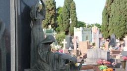 GCM flagra comerciante comprando objetos furtados de cemitério