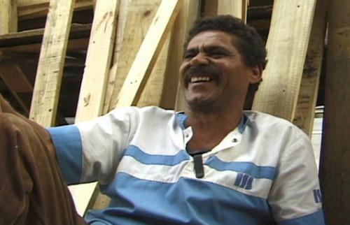 Divulgação - Cena do curta Casa de Cachorro (2001). Créditos: Divulgação
