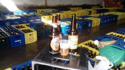 Polícia prende 6 homens por adulterar rótulos de cervejas
