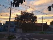 Semana começa com sol entre nuvens; não vai chover