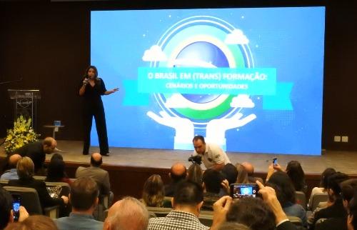 Christiane Palejo falou sobre o cenário econômico nacional e regional em palestra - Foto: Isabella Grocelli