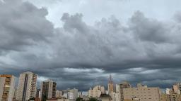 Inmet mantém aviso de chuvas intensas para Ribeirão Preto