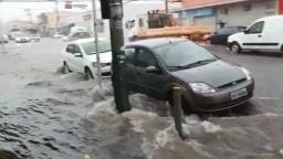 Chuva provoca pontos de alagamento em Ribeirão Preto
