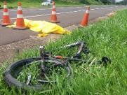 Ciclista morre após ser atropelado por caminhão em São Carlos