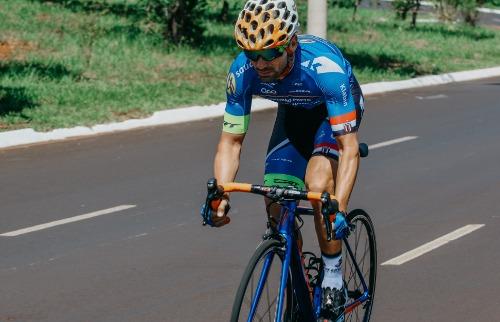 Divulgação Martinez Comunicação - Pela 1ª vez, o ciclista Rodrigo Melo foi convocado para defender o Brasil (foto: Divulgação Martinez Comunicação)