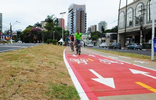 Ciclovia na avenida Norte-Sul (Foto: Divulgação/Prefeitura de Campinas) - Foto: Divulgação