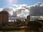 Defesa Civil emite alerta para forte onda de calor em Araraquara