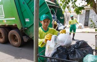 A coleta está sendo retomada nesta terça-feira, diz a prefeitura - Foto: Weber Sian / A Cidade
