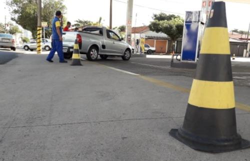 Da reportagem - Combustível começa a acabar em postos de Araraquara
