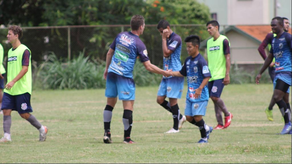 Rinsei Kanda, que realiza testes no Comercial, já passou por times como o Rio Branco (AC) e Atlético (GO) (Foto: Divulgação / Comercial F.C.) - Foto: Redes Sociais