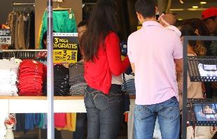 F.L.Piton / A Cidade - Este é o 21º mês consecutivo que o comércio registra queda nas vendas, aponta o Sincovarp