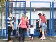À espera de professor, alunos ficam sem aulas em Campinas