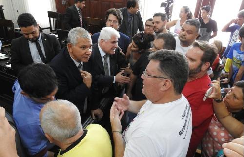 Sessão foi suspensa por 10 minutos durante protestos dos motoristas. Foto: ACidade ON São Carlos - Foto: ACidade ON - São Carlos