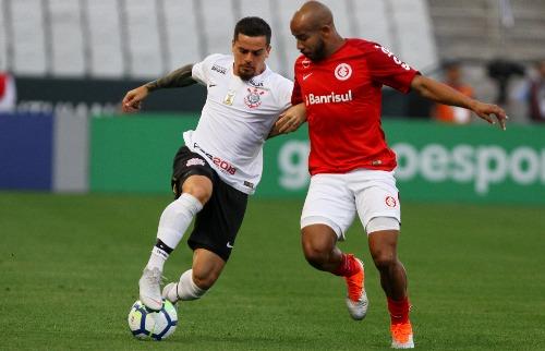 Corinthians e Internacional ficaram no 1 x 1, na partida disputada em São Paulo (Foto: Peter Leone/Futura Press/Folhapress - Foto: Folhapress