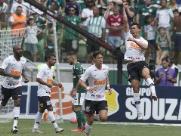 Corinthians faz gol no início e bate o Palmeiras