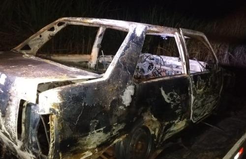 Corpo é encontrado carbonizado em porta-malas de carro (Foto: Rodrigo Oliveira/Descalvado Agora) - Foto: ACidade ON - São Carlos