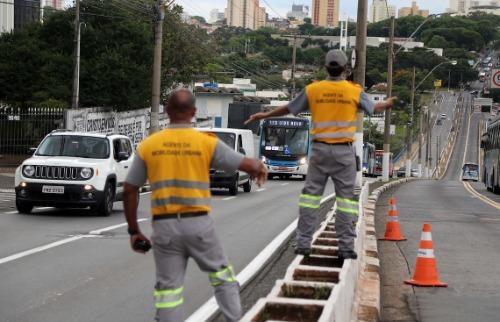Corredor fica fechada para obras de melhorias. Foto: Código 19 - Foto: Código 19