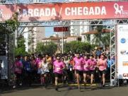 Corrida e Caminhada Rosa reúne milhares de pessoas em São Carlos