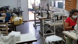 Valinhos contrata costureiras para produção de máscaras