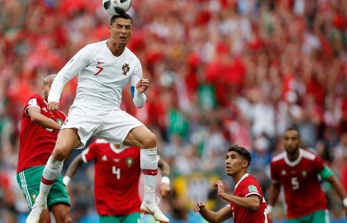 O atacante Cristiano Ronaldo de Portugal em lance contra Marrocos (Foto: Hassan Ammar / Associated Press / Estadão Conteúdo) - Foto: Outros