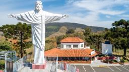 Mirante do Cristo conta com elevador panorâmico em Socorro
