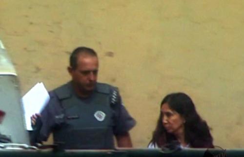 Valdinei Malaguti / EPTV - Dárcy Vera chegando para audiência no Fórum de Ribeirão Preto