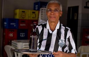 Weber Sian / A Cidade - BAR NA VILA SEIXAS: Ex-meia Dema montou o próprio negócio e serve os amigos em um tradicional bar da zona Leste de Ribeirão Preto