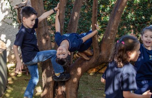 O contato com a natureza é importante para o desenvolvimento da criança - Foto: Weber Sian / A Cidade