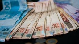 Feriados em dias úteis podem gerar perda de R$ 20 bi em 2020