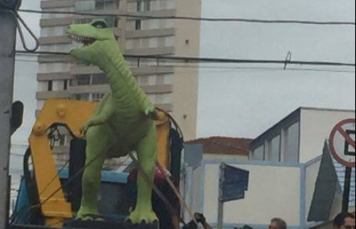 cd51820c1bf Quadrilha invade shopping na zona sul de SP e rouba joalheria ...