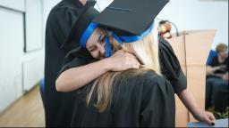 Maior escolaridade é prêmio salarial no Brasil