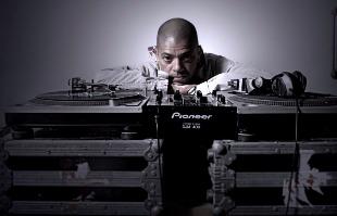 Divulgação - DJ KL Jay do rap e jazz, da música às críticas sociais