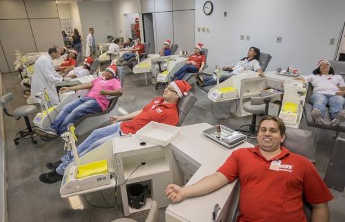 Weber Sian / A Cidade - Colaboradores da Cory doaram sangue na manhã desta sexta-feira (15); veja mais fotos na galeria (foto: Weber Sian / A Cidade)